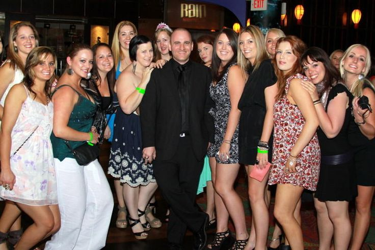 Local DJs took over Hogan's & Jackson's last weekend. Tag your friends & view party photos here! in nightclub.