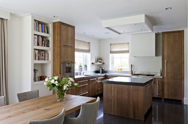The Living Kitchen B.V. by Paul van de Kooi te Amersfoort. Eiken houten keuken, afwerking geolied met natuurstenen aanrechtblad