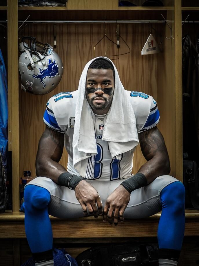 Calvin Johnson getting ready for game...