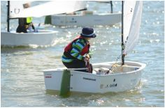Young sailors at age 6-7 start learning dinghy manouvers together with other beginners, making new life time friends.