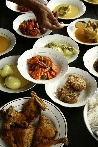Nothing has more (spicy!) flavour than masakan padang (padang food). yumyum