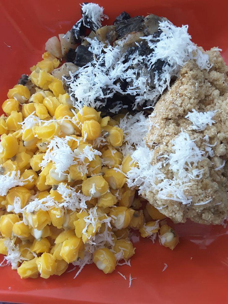 Traditional javanese dishes.. Tiwul,  gatot dan jagung bledus👍