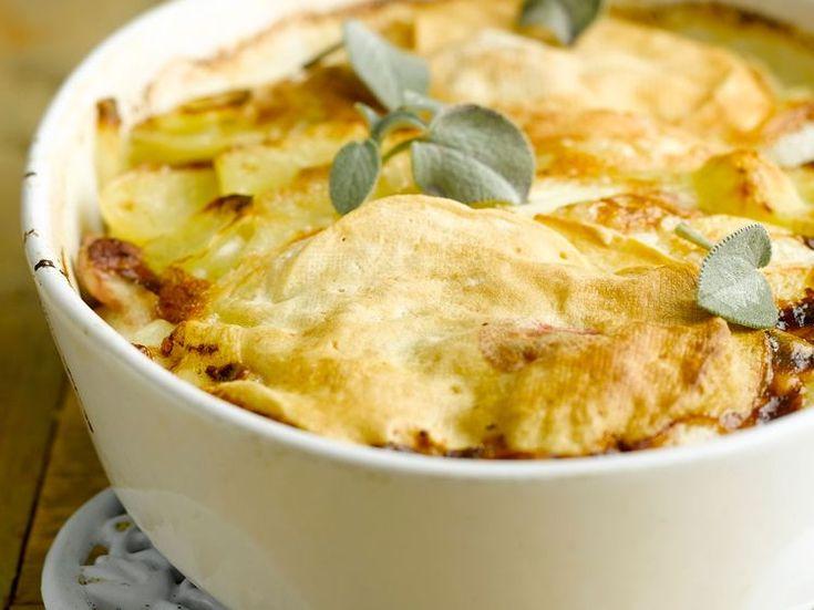 Découvrez la recette Tartiflette végétarienne sur cuisineactuelle.fr.