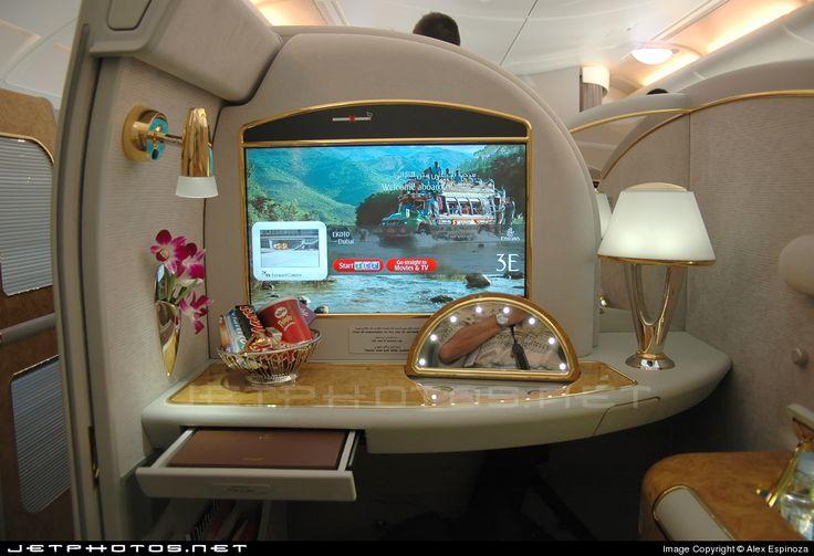 Airbus A380-861 A6-EDA 011 Hamburg Finkenwerder - EDHI