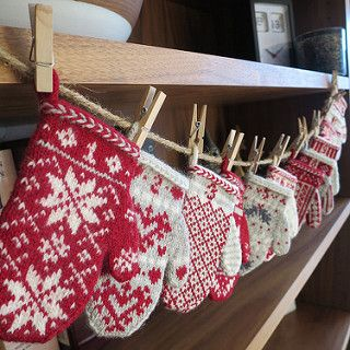 A twenty-four week project to make a Mitten Garland Advent Calendar. Each Monday through November 23rd, 2015 a new mitten pattern will be released.