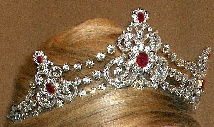 Mellerio Ruby Tiara, Dutch Royal Family. The Mellerio Ruby Parure was commissioned in 1889 as a gift from King Willem III to his second wife, Queen Emma in honor of her 30th birthday. This suite in rubies and diamonds was composed by the French jeweler Mellerio.