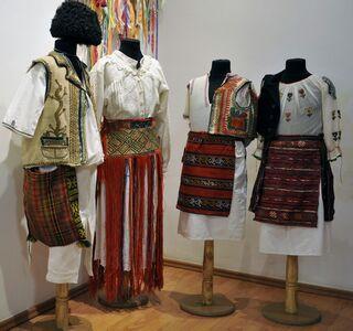 INTERVIU Etnolog: Valorizarea iei în creaţiile vestimentare contemporane ar împlini nevoia femeii moderne de a se îmbrăca original