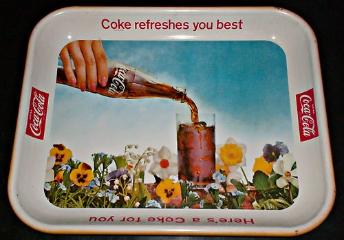 VINTAGE ORIGINAL 1961 FLOWERS W/ BOTTLE COCA COLA SERVING METAL TRAY VERY RARE