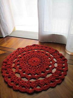 Tappetino rug by Massari Daniela--now I really need to learn to crochet!