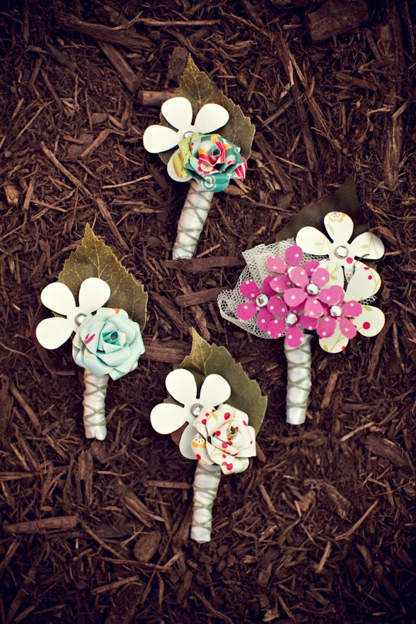 48 best floral alternative boutonnieres images on pinterest cute diy paper boutonnieres solutioingenieria Image collections