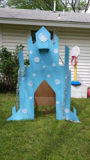 Frozen Elsa Ice Castle out of a  cardboard box