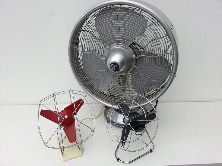 Bel Air: grote ventilator in chroom uitgevoerd met sixties uitstraling, goed werkend.  Afm. 58 cm hoog - 45 cm doorsnede - 30 cm diep. € 45,00   Vintage ITHO ventilator rood, goed werkend.  Afm. 25 cm hoog, 21 cm doorsnede, 18 cm diep. € 15,00   Vintage SEN ventilator zwart. Model JOLLI 311.   Enkel als decoratie te gebruiken.  Afm. 25 cm hoog, 21 cm doorsnede, 18 cm diep. € 5,00  www.facebook.com/stoeruhzaken.nl