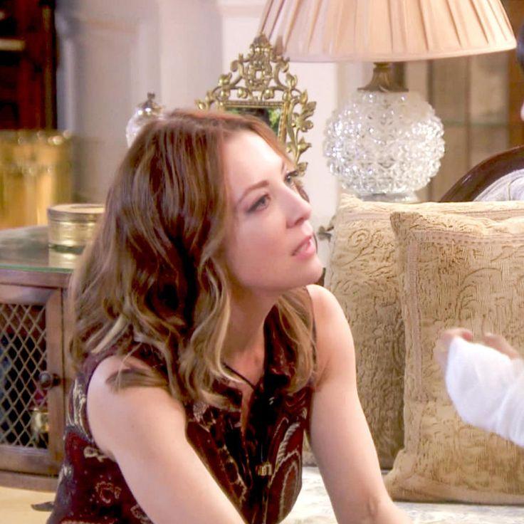 Edith González hablando con Nicole Apollonio en Eva La Trailera
