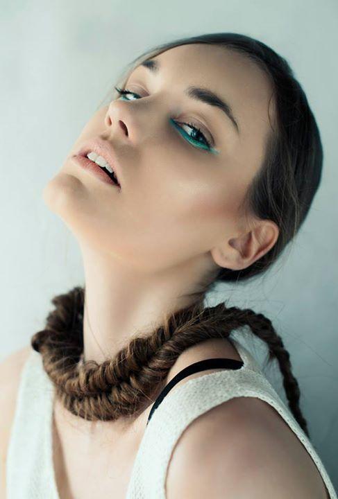 model: Sylwia mua & hair: Katarzyna Filipowicz photo: KEJRAA PHOTOGRAPHY // Karolina Koziczyńska