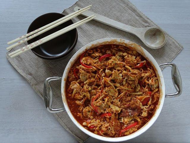 Nog een gerecht wat wij geregeld bij de chinees halen. De jongens zijn dol op dit Chinese ei gerecht. Zoiets mag dan niet ontbreken op een ...