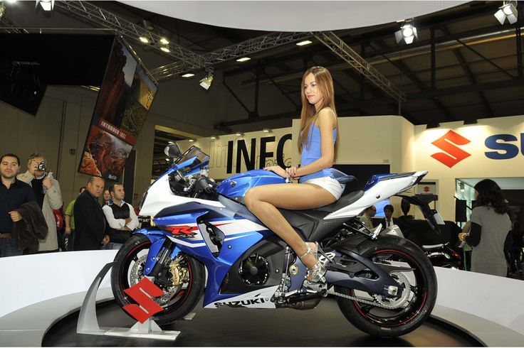 1000 ideas about salon moto on pinterest moto legende. Black Bedroom Furniture Sets. Home Design Ideas