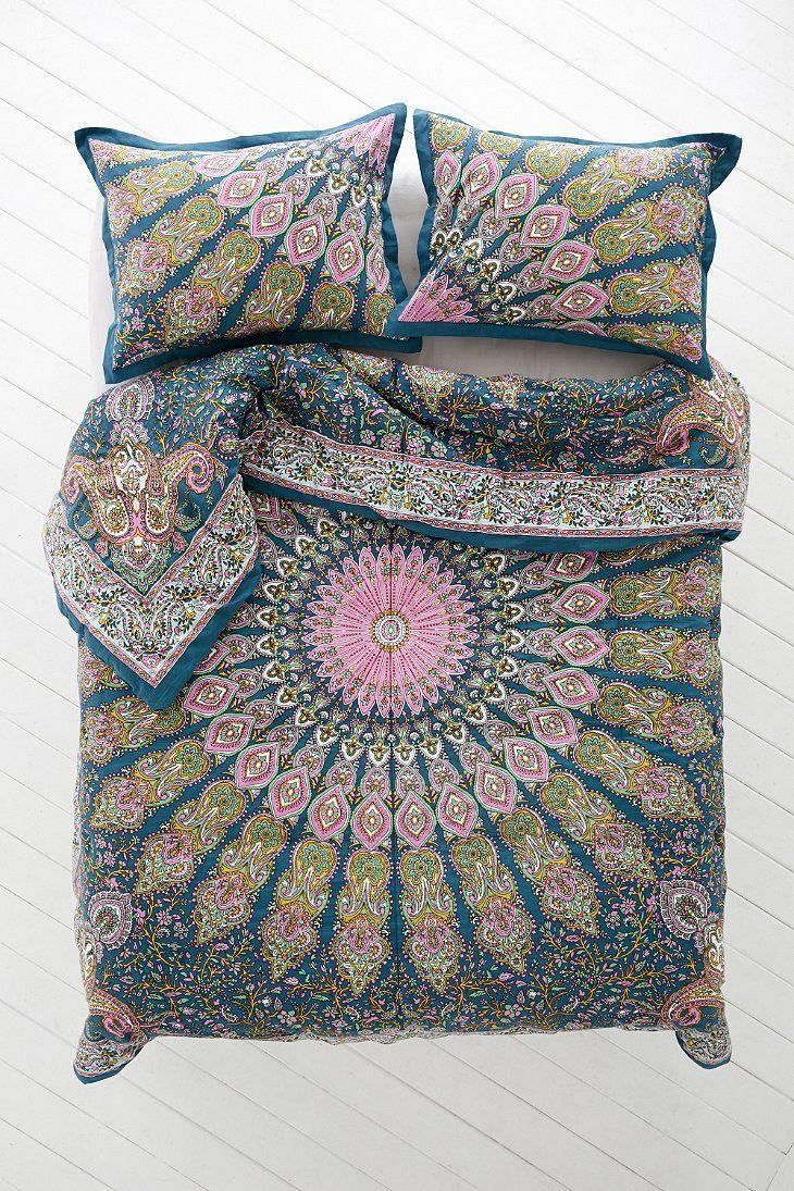 Plum & Bow Avani Medallion Comforter - Urban Outfitters