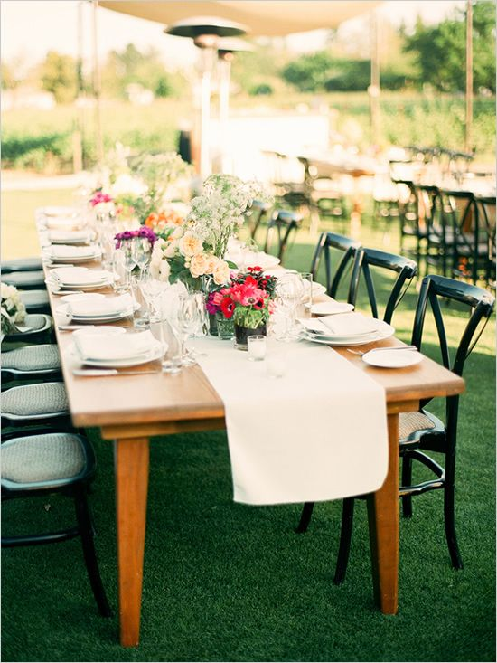 outdoor wedding table: Outdoor Wedding, Decor Flowers Cak, Wedding Ideas, Style Seats, Wood Tables, Dinners Parties, Families Style, Farms Tables, Long Tables