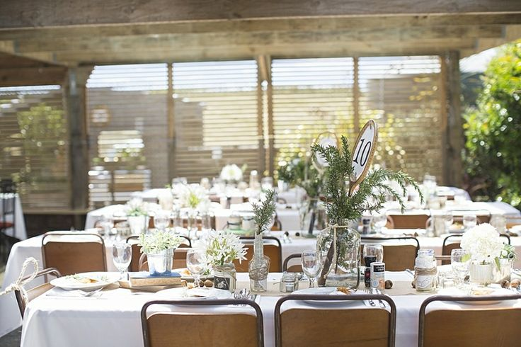 Table settings with vintage hall chairs