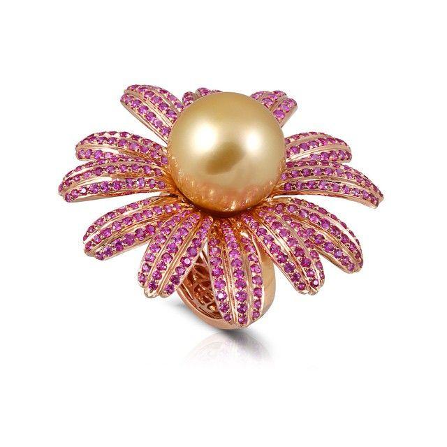 #golden #pink #sapphire #pearl #ring. #Buzzanca-Gioielli