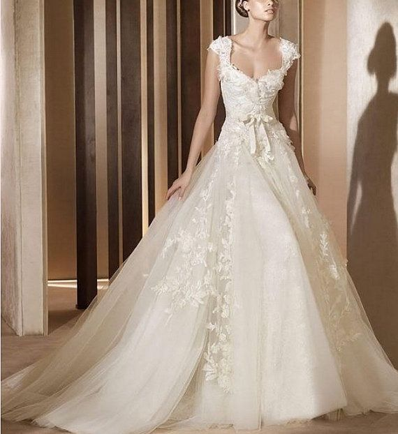 Free Shipping New Sexy Sweetheart White/Ivory Cap Sleeve Bride Wedding Dresses Lace Applique Cathedral Wedding BallGown Dress