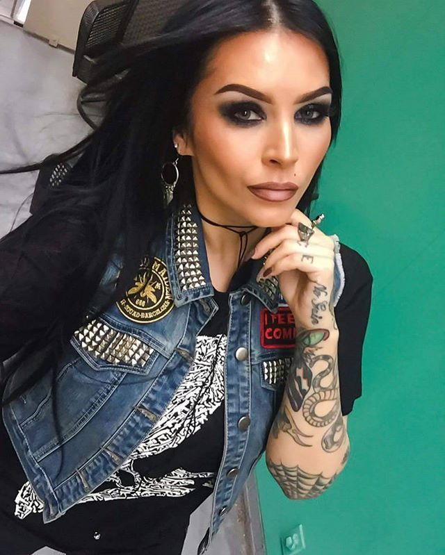 """Warbird"" Tee Available at www.crmc-clothing.co.uk | WE SHIP WORLDWIDE Model - @sarabellemarcoux #fashionstatement #badass #fashionista #instastyle #guns #stunning #warbird #birdofwar #cosy #crow #dope #alternativefashion #need #makeupgame #skull #crowskull #style #hot #alternativegirl #mua #makeup #makeupartist #beautiful #need #girlswithtattoos #tattooedwomen #igers #love #instagood #want"