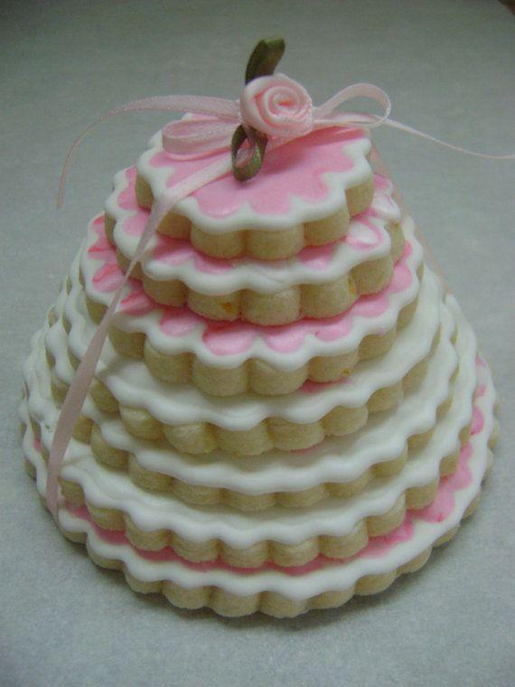 7 Scalloped Sugar Cookies: A l'il birthday treat!   From: TreatsbuyTerri