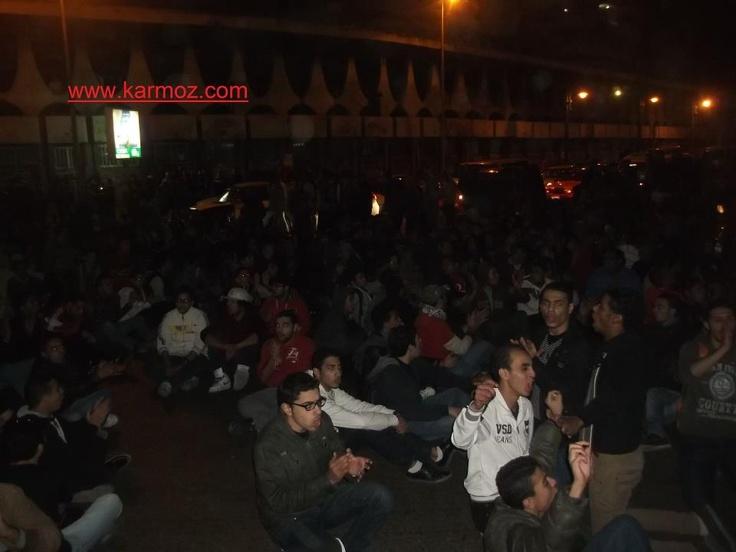 أولتراس أهلاوي يغلق طريق الكورنيش بمنطقة سيدي جابر، وهتافات معادية للداخلية