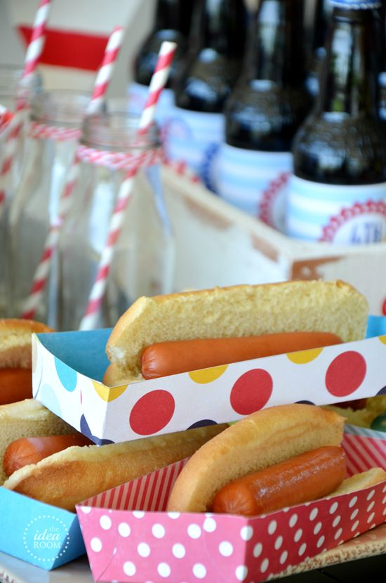 If you have a BBQ, birthday party, or just a family get together coming up, these hot dog trays are adorable!