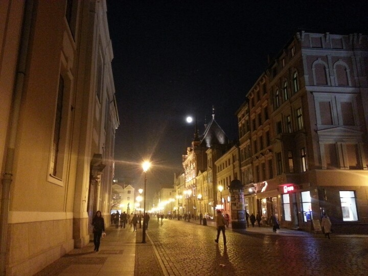 Full Moon in Torun