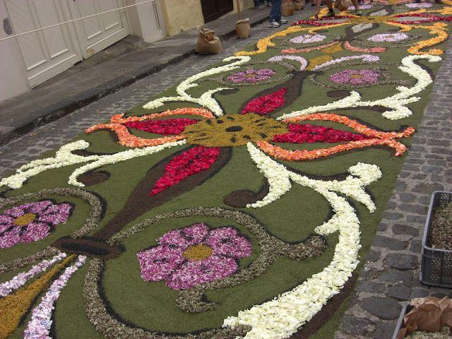 Sweet patchwork alfombras de flores corpus pinterest flores florales y corpus christi - Alfombras portugal ...