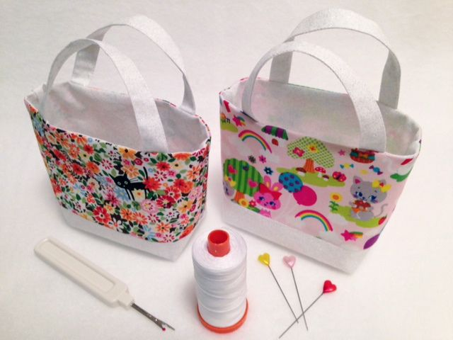 Tiny Kawaii Tote by Happy Zombie, via Flickr  Happy Zombie.com How about a holder for coasters?