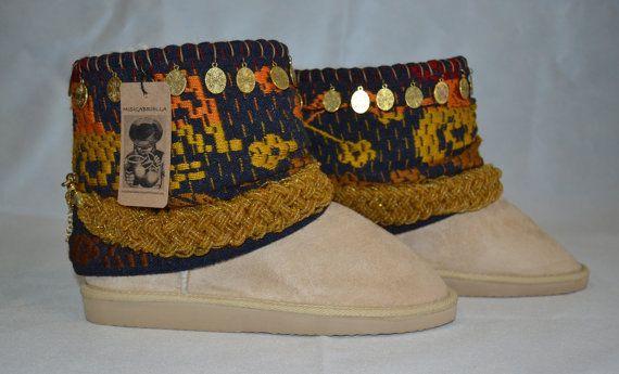 WINTER BOOTS COWBOY boots Beige Boots Women Boots por MISIGABRIELLA