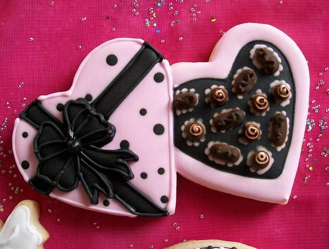 25 best Chocolate box images on Pinterest   Petit fours ...
