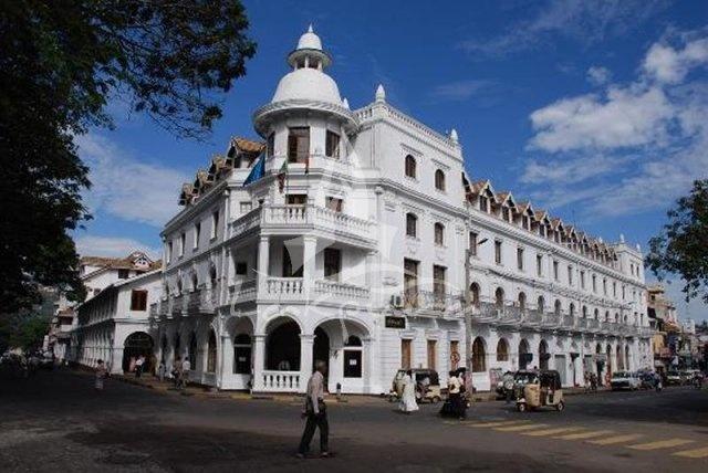 Queen's hotel in kandy city