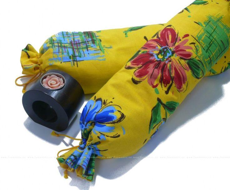 Relaxační váleček - květinový - s ilustrační fotkou svícínku