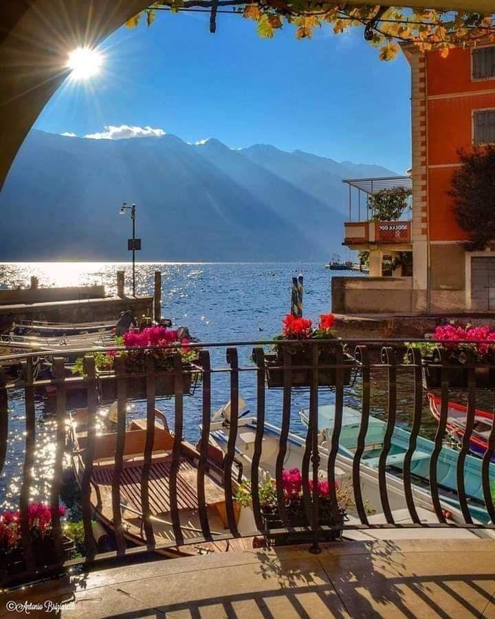 Lake Como Italy In 2020 Comer See Reisen Und Traumurlaubsziele