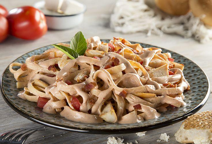 ¿Te te antoja preparar una deliciosa pasta? Prepara nuestra receta de Pasta de chipotle con tocino Philadelphia. ¡Tus platillos de ricos a deliciosos!