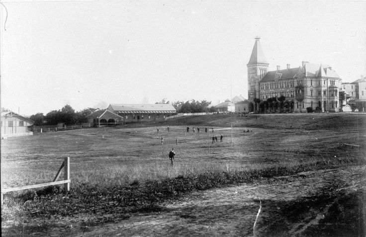 Newington College in Stanmore,in the inner western suburbs of Sydney in 1890.