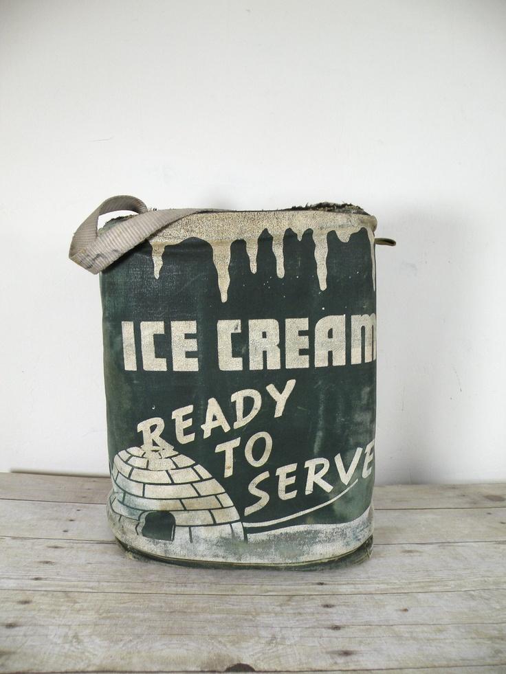 vintage ice cream cooler-Ideal para qq cantinho da sala térrea, onde não atrapalhe passagem-Canto no chão do balcão de atendimento, cantinho banco do arco...Esse tipo de objeto é sempre versátil.