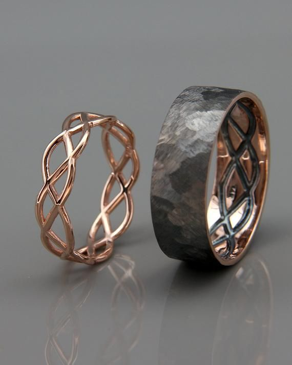 14K Rose Gold Black et Bright Celtic Wedding Rings Set (fr) Boucles de mariage d'éternité d'or rose faites à la main (fr) Son et le sien bandes de mariage ensemble