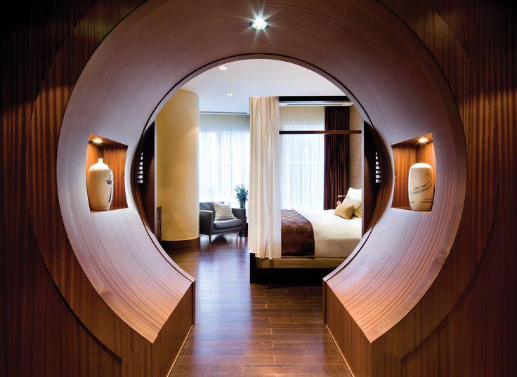 Shangri-La Hotel Toronto.
