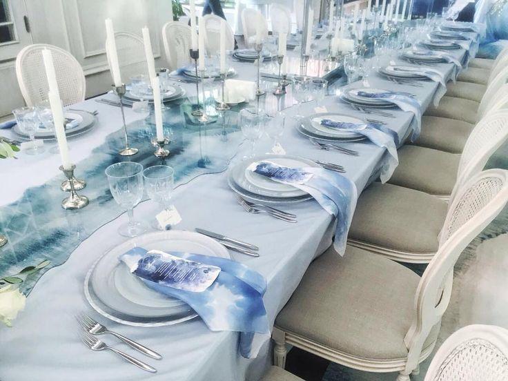 Стихия воды в оформлении свадебного торжества от студии @mezhdu_nami_  Сервировка ужина была дополнена шёлковой салфеткой в таком же стиле! Свадебное агенство @caramelwedding  #silkyrivers #silkribbon #wedding #decor #flowers #bride #шелковыеленты #свадебныйдекор #букетневесты #приглашение #ручноеокрашивание #handdyed #handmade #silk #шелк #свадебныйтекстиль #свадьбавмоскве #свадьба2016 #wedding2016 #свадебныеидеи #свадебныеаксессуары #свадебныедетали #лентынабукет