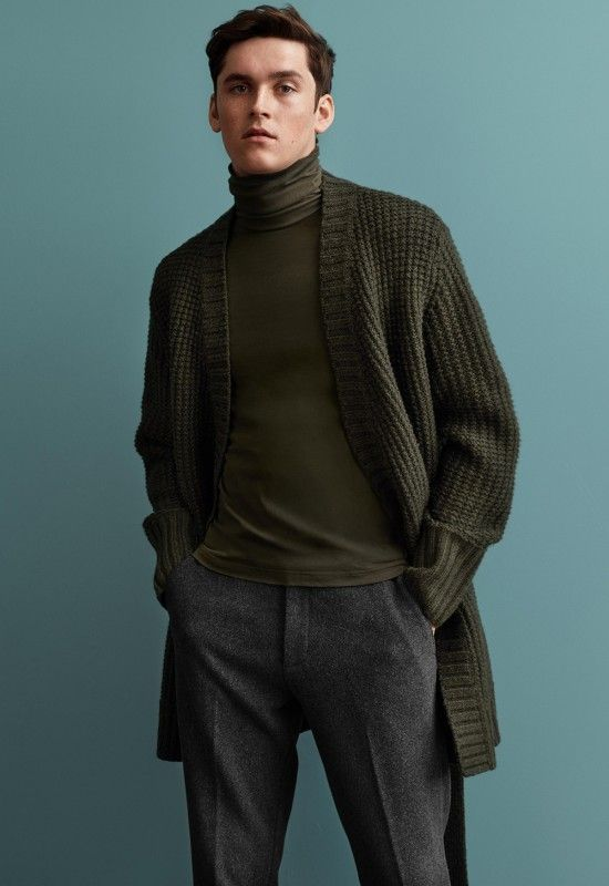 For the new season, H&M continues the further development of classic men's fashion with a new, modern look.