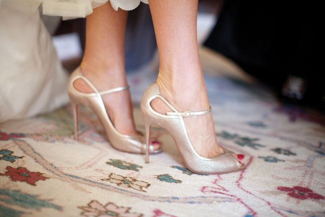 Gold Louboutin Peep Toe Shoes | photography by http://lauranegriphotography.com/