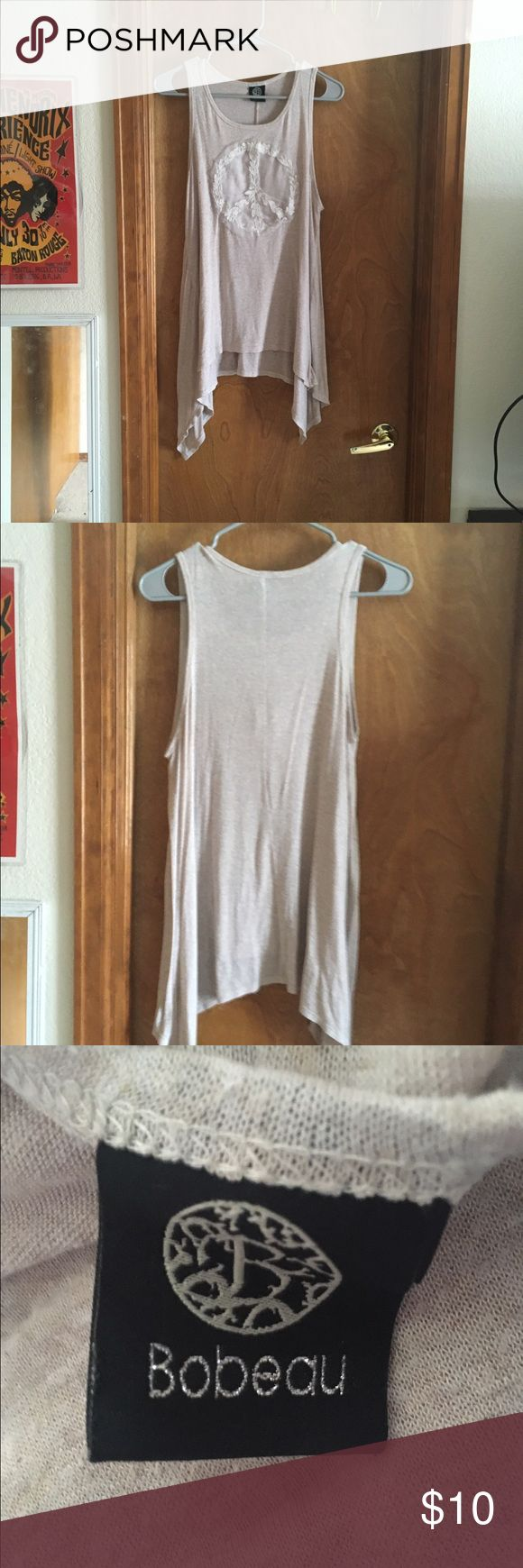 Bobeau peace long  tank top Women's Medium, long cream colored tank top. Peace sign on front. It is a loose tank top that is perfect for festivals/concerts in summer or great with a sweater in the fall. bobeau Tops Tank Tops