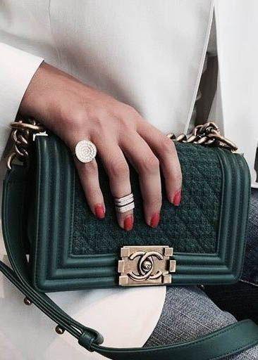 Incredibly Designer bag / fashion week street style #desginerbag #fashionweek #luxury #stre…