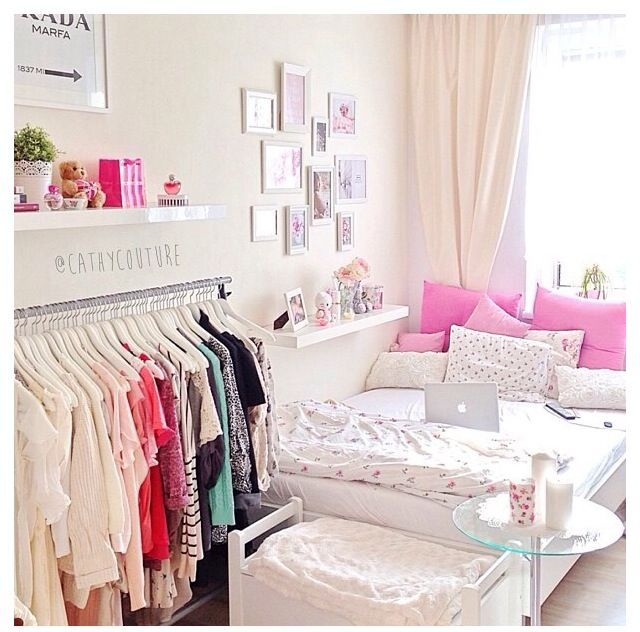 Pastel Bedroom . Simple