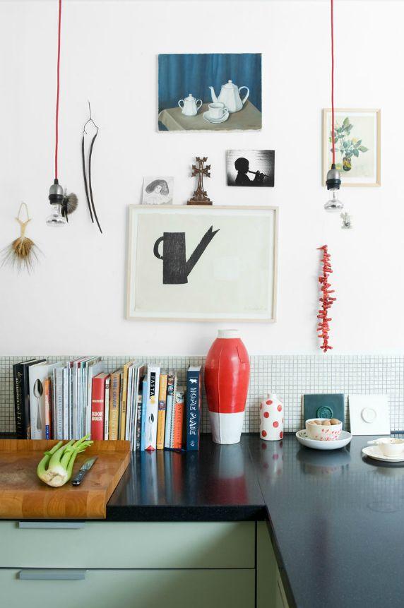 books on counter.: Decor Kitchens, Decor Ideas, Kitchens Design, Marjon Hoogervorst, Interiors Design Kitchens, Modern Kitchens, Kitchens Corner, Design Home, Black Counter