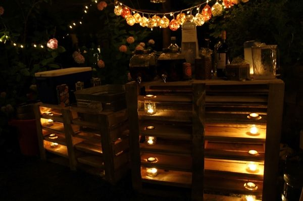 Fabulous bar made from recycled pallets, perfect for summer parties - #GardenPallets